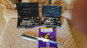 BACK TO SCHOOL:  Professional  CLARINETS AND  MUSIC STAND OBO  ONLY SERIOUS BUYER PLEASE in Fort Leonard Wood, Missouri