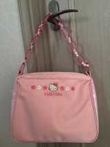 Like New Hello Kitty Shoulder Bag in Okinawa, Japan