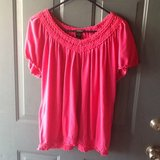 Plus size 18/20 Lane Bryant top in Fort Campbell, Kentucky