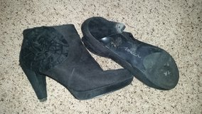 EUC Womens Black Booties, Sz 8.5 in Dover, Tennessee