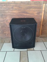 2 un-powered 18inc speAkers in Fort Campbell, Kentucky