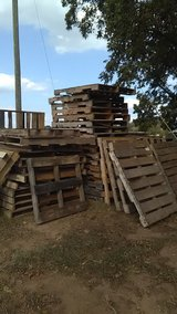 CRAFT PALLETS in Perry, Georgia