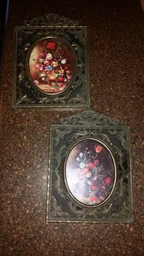 Vintage Floral Iron Miniature 2 Piece Picture Set in Fort Campbell, Kentucky