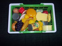 Basket with Playfood 50+ pieces in Alamogordo, New Mexico
