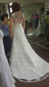 Mermaid style wedding dress (size 8 formal) in Byron, Georgia