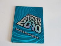 Guinness World Records 2010 Hard Cover Coffee Table Book HUGE 288 Pages in Joliet, Illinois