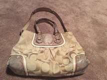 Coach purse in Chicago, Illinois