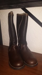 UGG BROOKS TALL  LEATHER BROWN NIB in Ramstein, Germany