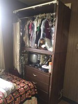 closset - 2 sections in Tinley Park, Illinois