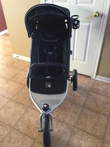 Valco Runabout Tri-Mode All Terrain Stroller in Sugar Grove, Illinois