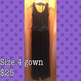 Black size 4 gown in Camp Lejeune, North Carolina