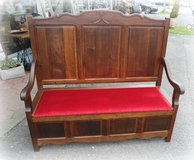 beautiful antique  trunk bench solid tiger oak in Spangdahlem, Germany