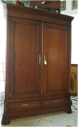 Beautiful antique armoire ... solid oak comes apart ... in Baumholder, GE
