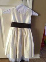 Coren Moore Flower Girl Dress...size 5 in Shorewood, Illinois