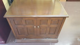 "Solid Wood TV Stand/ Cart/Console/17""x27.5""x34.5"" in Houston, Texas"