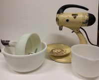 Vintage Working Sunbeam mixmaster + Glasbake bowls in Beaufort, South Carolina