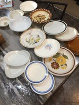 17pc. Misc. Plates & Bowls in Fort Campbell, Kentucky