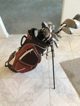 Dunlop bag with clubs in Alamogordo, New Mexico