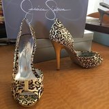 Jessica Simpson stilletoes in Yucca Valley, California