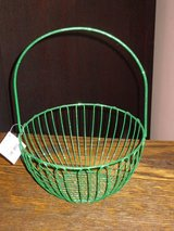 NWT green glitter wire basket in Batavia, Illinois
