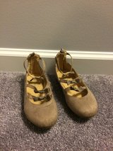 Size 11 tan suede shoes worn once in Batavia, Illinois