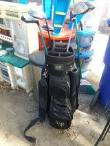 Snake eyes golf bag w/clubs in Fort Riley, Kansas