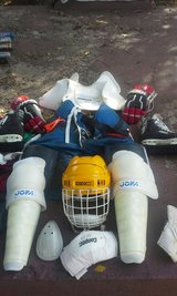 complete hockey gear w/bag/skates in Lawton, Oklahoma