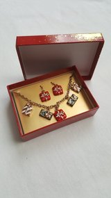 Nib X-Mas bracelet w/matcing earrings in Joliet, Illinois