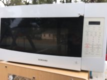 Samsung  microwave in Perry, Georgia