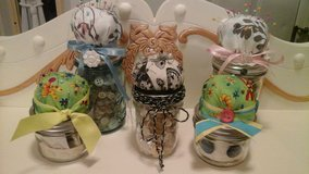 Mason Jars Filled the Vintage Buttons/Sewing Supplies Pin Cushions Made/Assembled ... in Naperville, Illinois