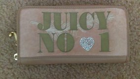 Juicy wallet in Travis AFB, California