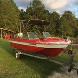 1974 Chaparral 15' Boat, 1975 Johnson outboard and trolling motor. in Moody AFB, Georgia