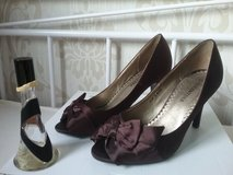 brown peptoe high heels with bow size 38 in Ramstein, Germany