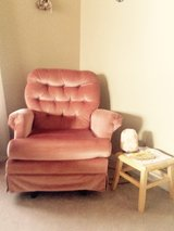 Rocking Arm Chair in Algonquin, Illinois