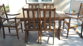 oak table and chairs in Alamogordo, New Mexico