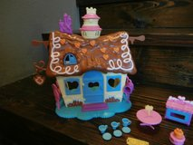 My Little Pony Pop Pinkie Pie Sweet Shoppe Play set in Houston, Texas