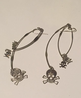 Skull dangle earrings in Elgin, Illinois