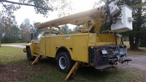 Bucket Truck in Camp Lejeune, North Carolina