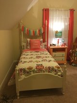 Gorgeous twin bed Set in Camp Lejeune, North Carolina