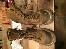 Rat boots size 6W in Camp Pendleton, California
