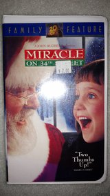 Miracle on 34th Street (VHS) in Warner Robins, Georgia