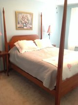 Four poster oak queen size bed in Lockport, Illinois