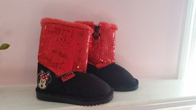 Size 6 toddler minnie mouse boots (new) in Perry, Georgia
