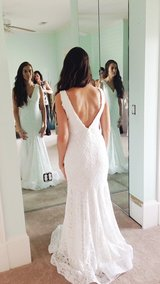 Backless lace wedding dress!! in Vista, California