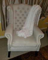 Bueatiful accent chair in Plainfield, Illinois