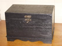 black wood box in Glendale Heights, Illinois