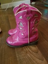 Pink cowgirl boots toddler size 8 in Barstow, California