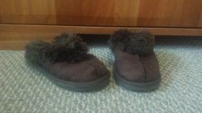 Faux Fur-lined Brown Slip Ons - Girls Size 13 in Bolingbrook, Illinois