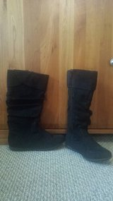 Like new!  Girls Black Boots - Girls Size 4 / Women Size 6 in Chicago, Illinois