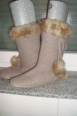 Gap boot/house slippers, sz 9-10 US in Ramstein, Germany